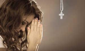 Молиться во сне: к чему снится обращение к Богу дома и в церкви