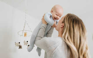 К чему снится маленький ребенок на руках?