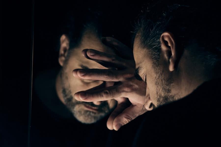 Чего ожидать, если часто снится покойный брат?