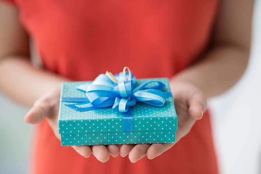 Что предвещает сновидение, в котором приснился подарок?