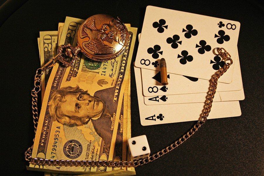 Эффективные привороты на деньги: правила проведения и последствия