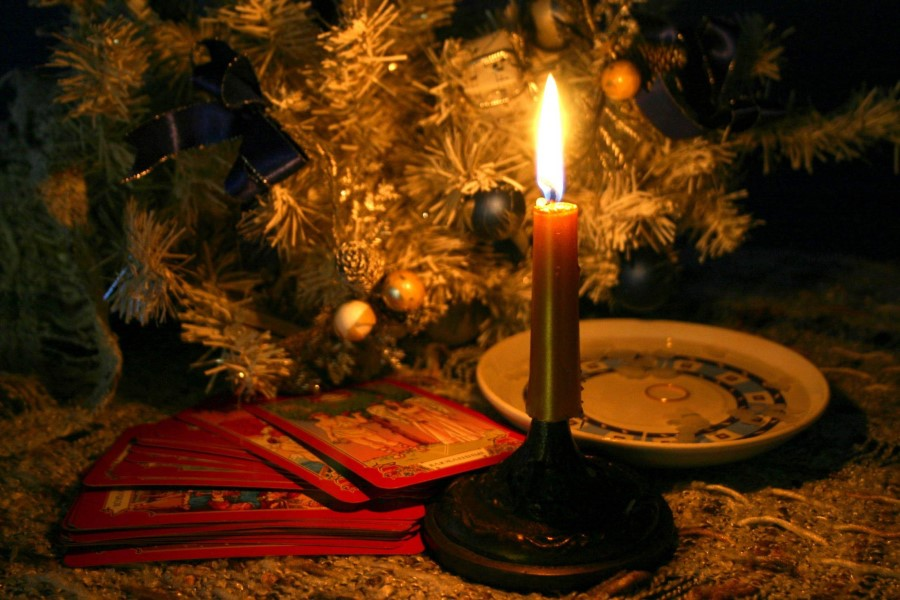 Гадания и ритуалы на Рождество на деньги и удачу