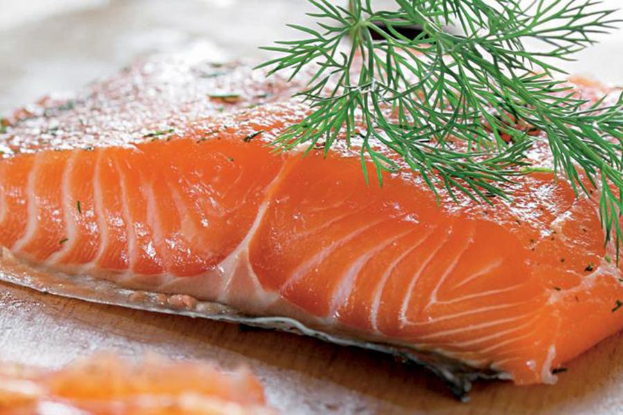 К чему приснилась соленая рыба женщине?