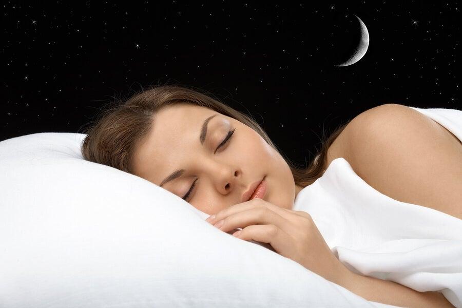 К чему снится человек, с которым давно не общаешься: толкование в сонниках