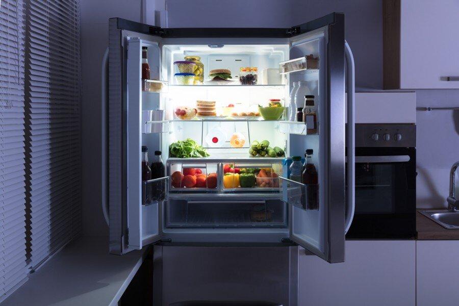 К чему снится холодильник: толкование согласно сонникам