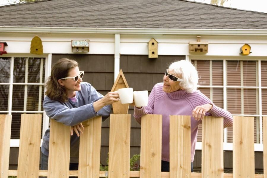 К чему снятся соседи: толкование сонников
