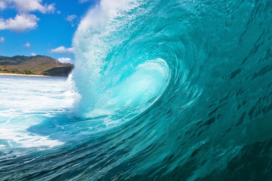 К чему снятся волны на море?