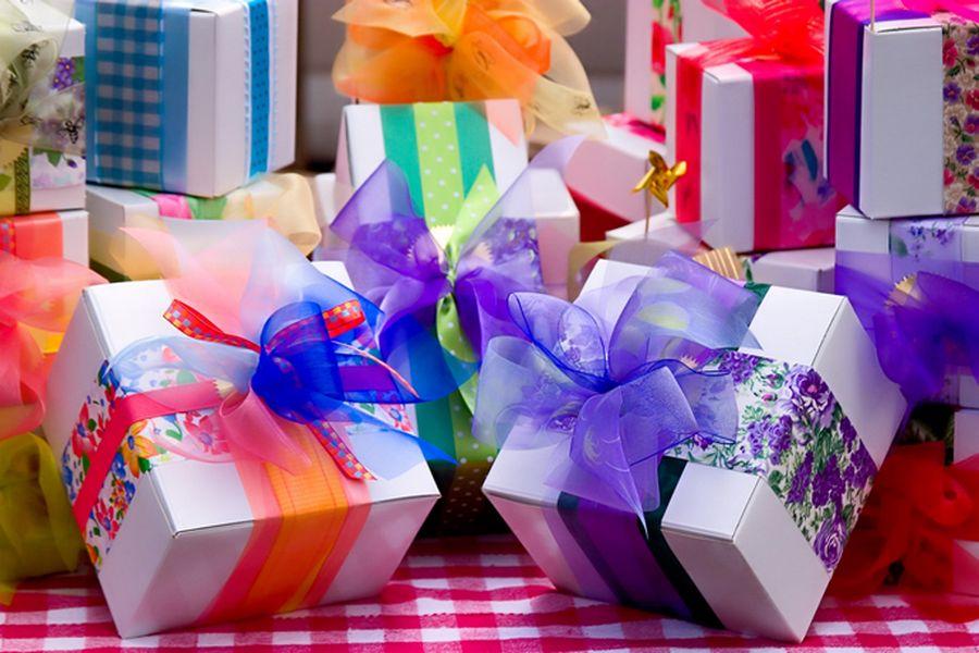 Какие подарки нельзя дарить на день рождения, свадьбу, новоселье, Новый год?