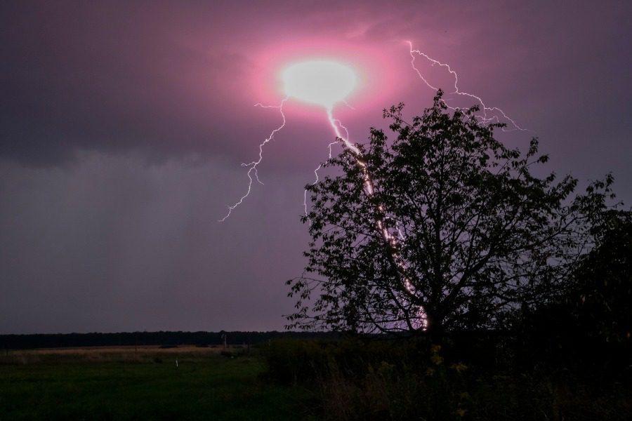 О чём предупреждает сонник, если приснилась шаровая молния?