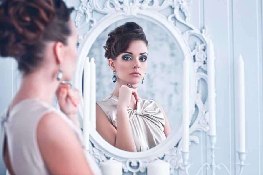 Почему нельзя дарить зеркало по народным приметам и поверьям?