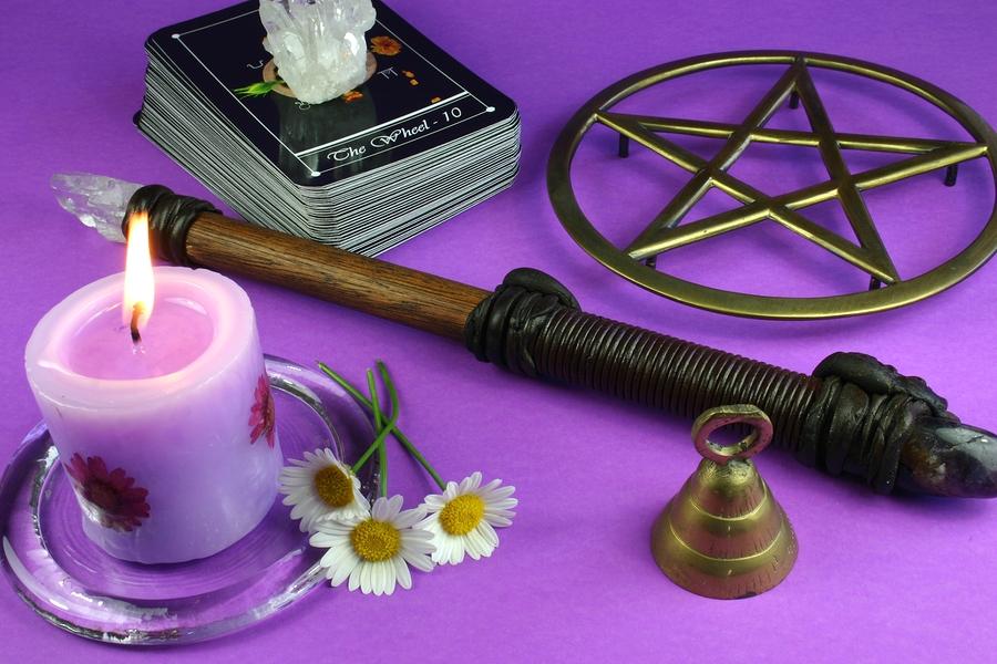 Самые эффективные ритуалы на исполнение желаний в новолуние