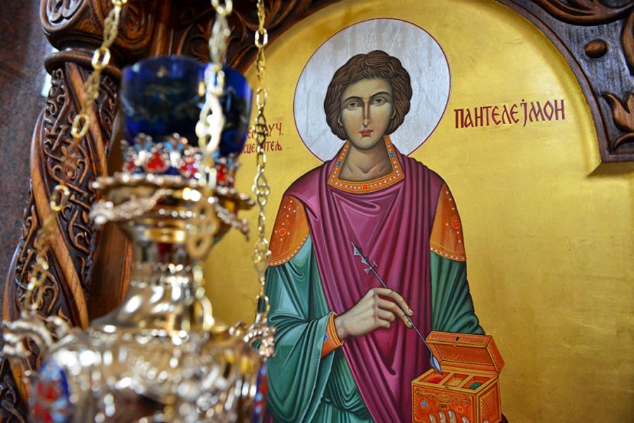 Сильные молитвы Пантелеймону Целителю о здоровье