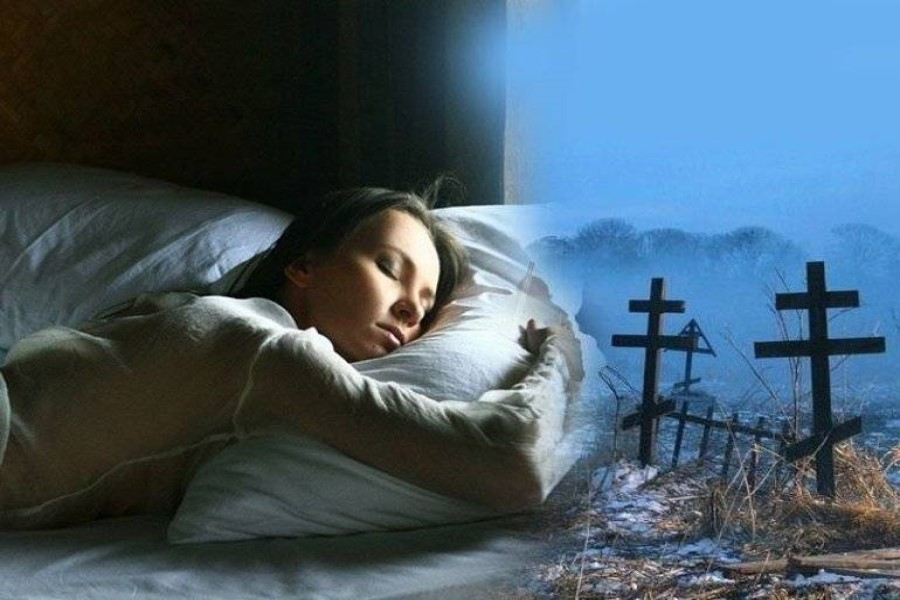 К чему снится покойник живым: толкование сна популярными сонниками
