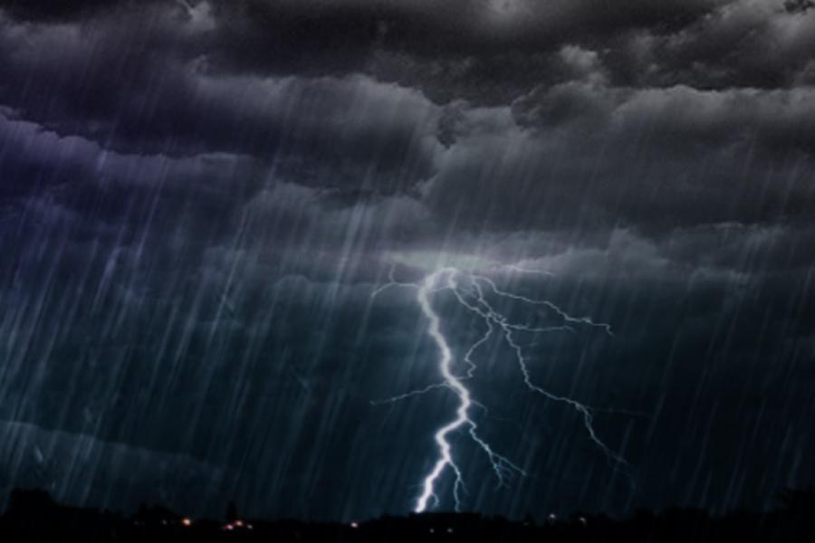 К чему снится сильная гроза с громом, молнией и дождем?
