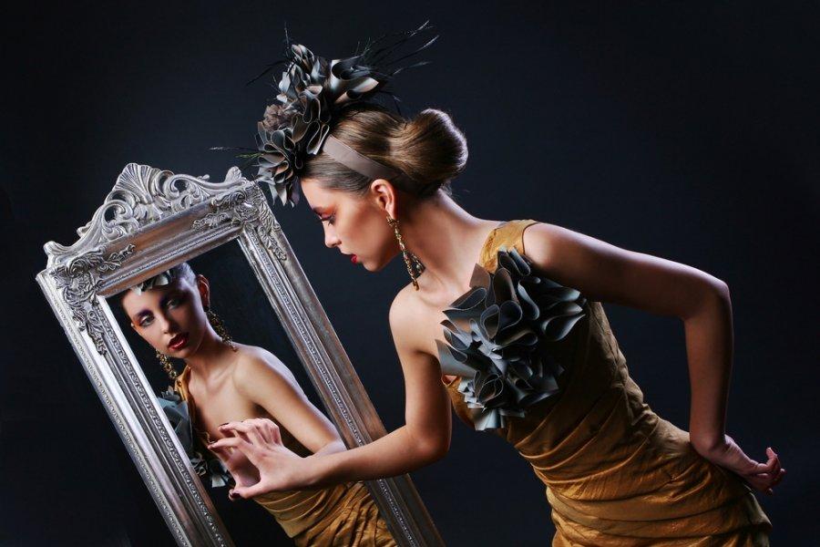 К чему снится видеть себя в зеркале во сне?
